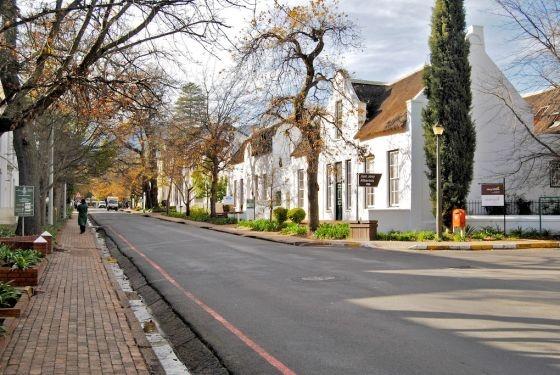 Streets of Stellenbosh | Photo Credits: Dorpstraat Boutique Hotel