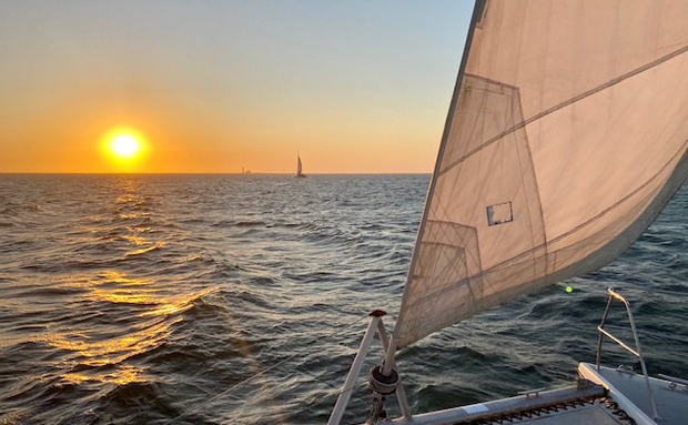 Sunset Catamaran Tours | Photo Credits : Catamaran Charters