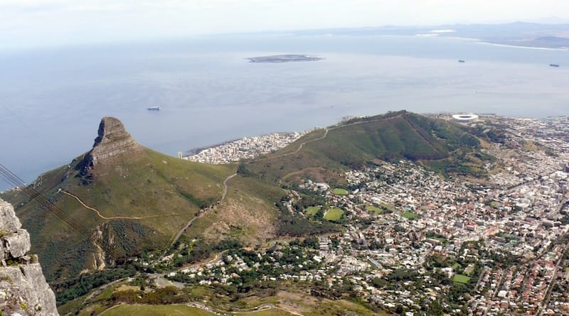 lions_head_signal_hill_from_the_summit_of_table_mountain