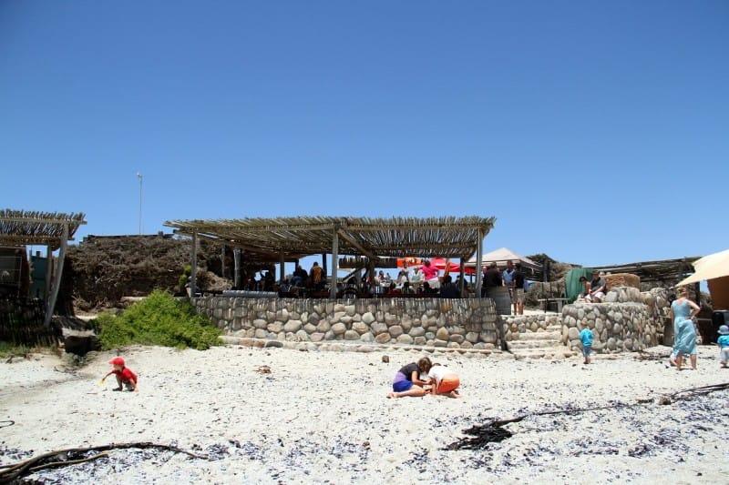 L'image a été prise - http://www.lambertsbaytourism.info/places.php?pid=205