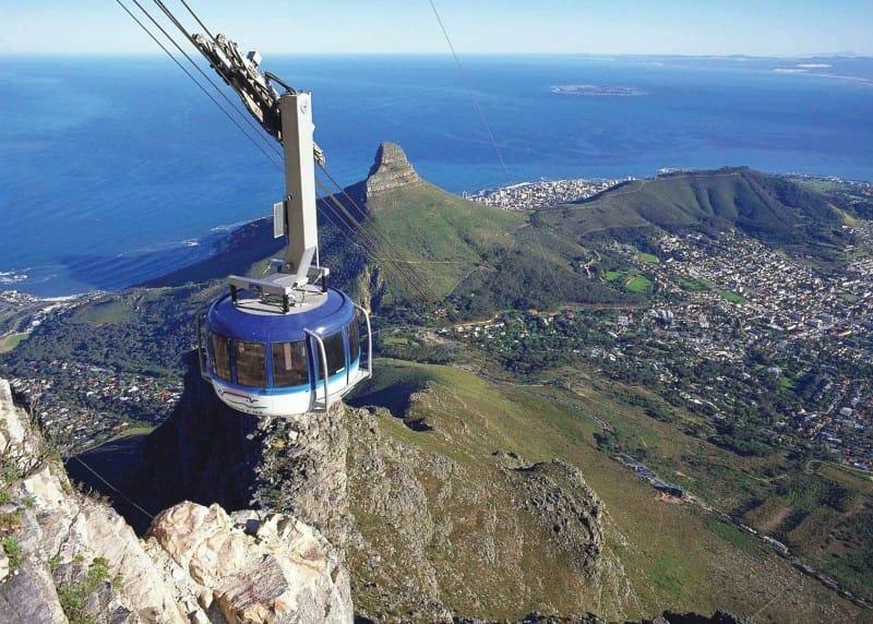 L'image a été prise de - https://www.audleytravel.com/south-africa/things-to-do/table-mountain-tour